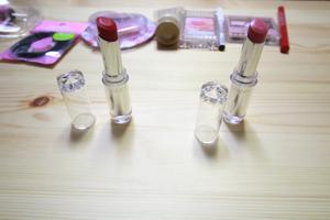 口紅(リップ)赤色とピンク色