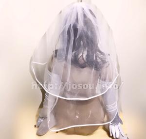 ウェディングドレスのラブボディAKI後ろ姿
