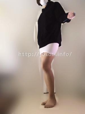 パーカーとタイトスカートでカジュアル系女装