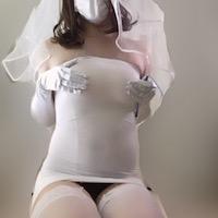 ちょっぴりHなボディコンを使ったウェディングドレス風女装