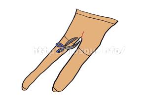 ストッキング(パンスト)の股間部分に切れ込みを入れる