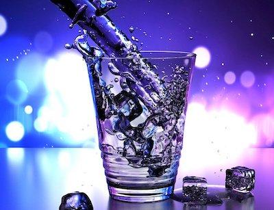 炭酸水を作るグッズを使って強炭酸水を作る